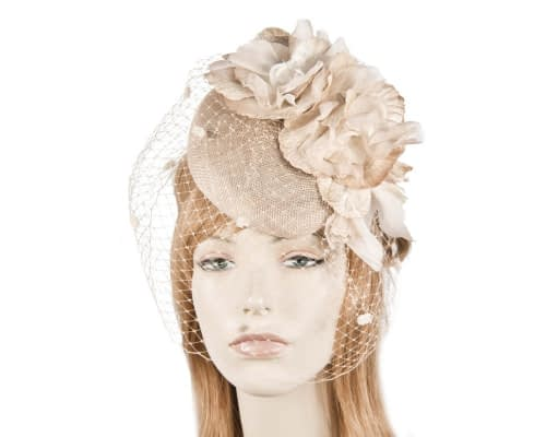Nude racing pillbox fascinator