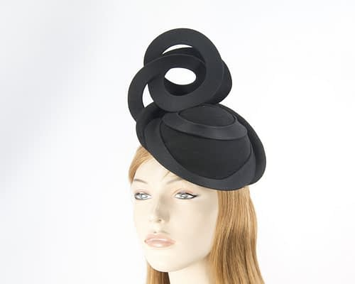 Black autumn winter racing fascinator