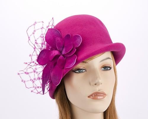 Fuchsia felt bucket hat