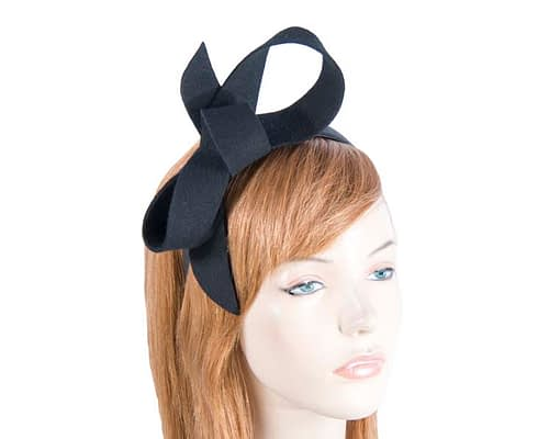 Fascinators Online - Black felt bow winter racing fascinator 1