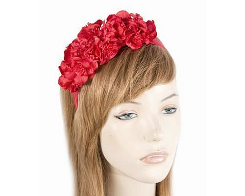 Red flowers racing fascinator J344R
