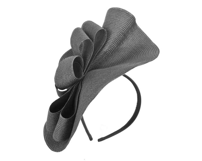 Large black plate by Max Alexander Fascinators.com.au