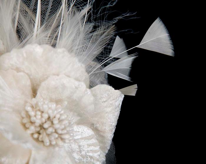 Cream feather flower racing fascinator Fascinators.com.au