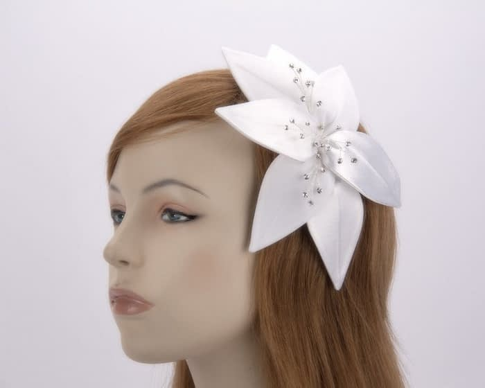 White fascinators 4768DW Fascinators.com.au
