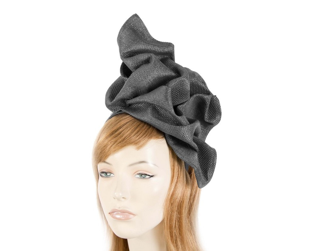 Black tailored fascinator