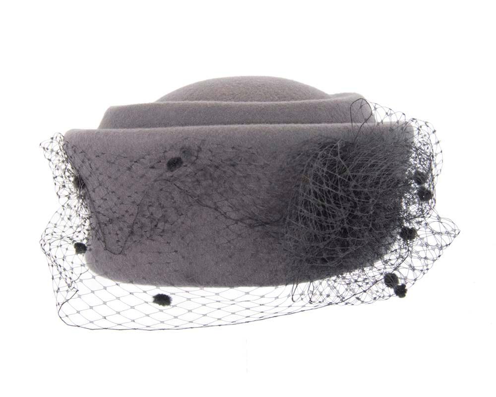 Large grey & black felt beret hat