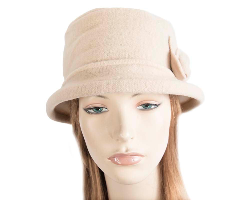 Warm beige winter bucket hat with flower by Max Alexander