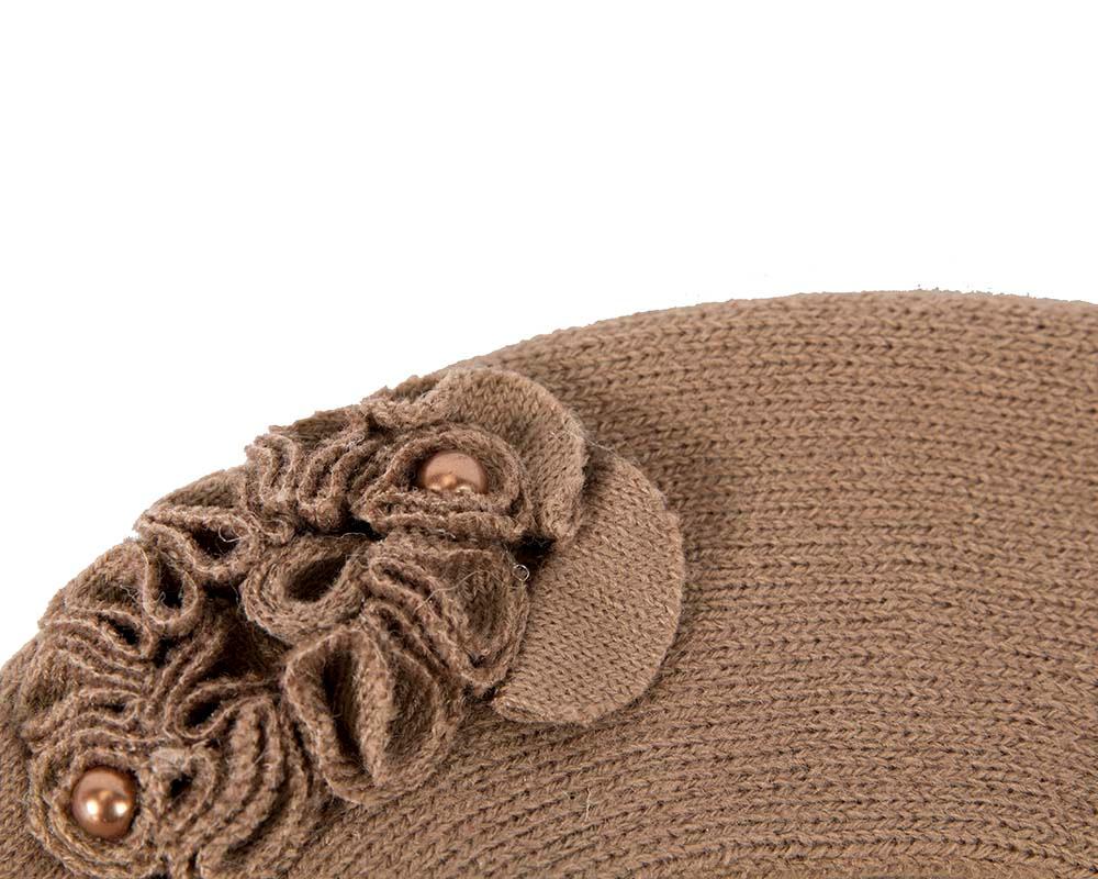 Warm woven beige beret by Max Alexander