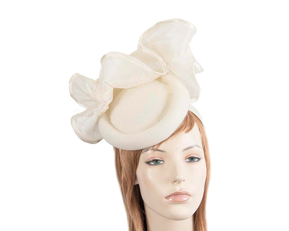 Bespoke cream winter racing fascinator by Fillies Collection