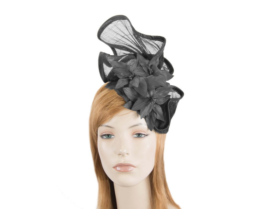 Sculptured black fascinator with leather flowers