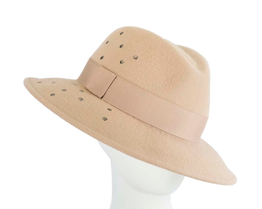 Exclusive wide brim beige fedora felt hat by Max Alexander