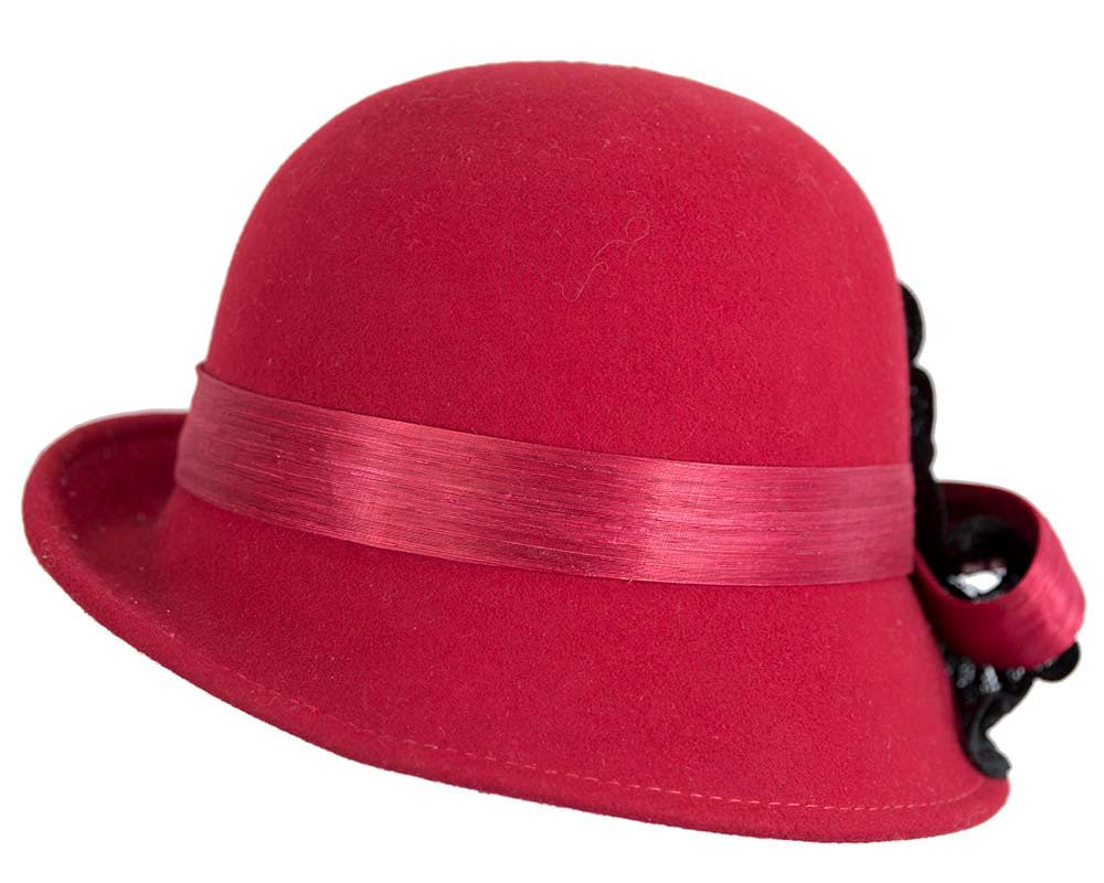 Red cloche hat with lace trim