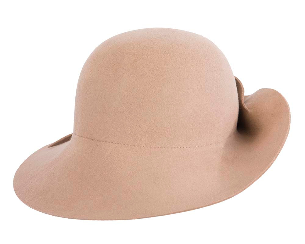 Exclusive wide brim beige felt hat by Max Alexander