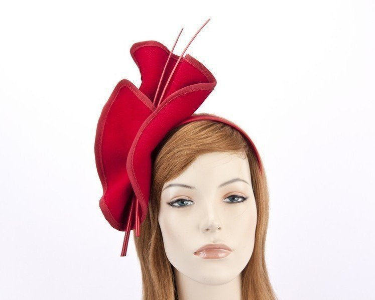 Red felt fascinator with sticks J301R