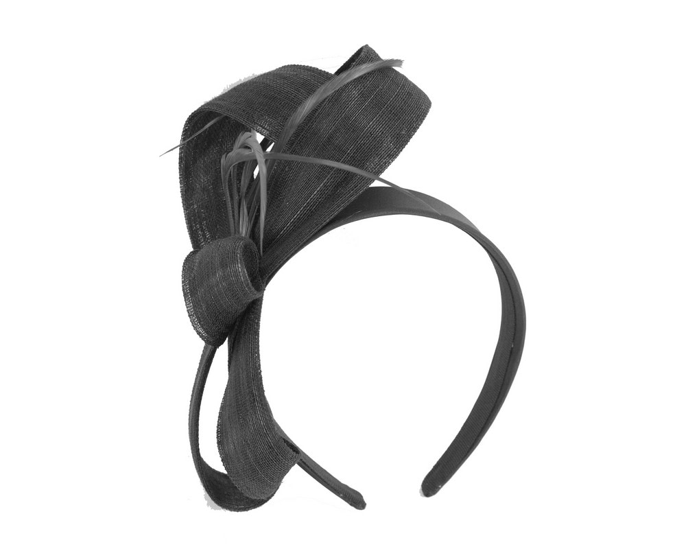 Black abaca loops and feathers racing fascinator by Fillies Collection