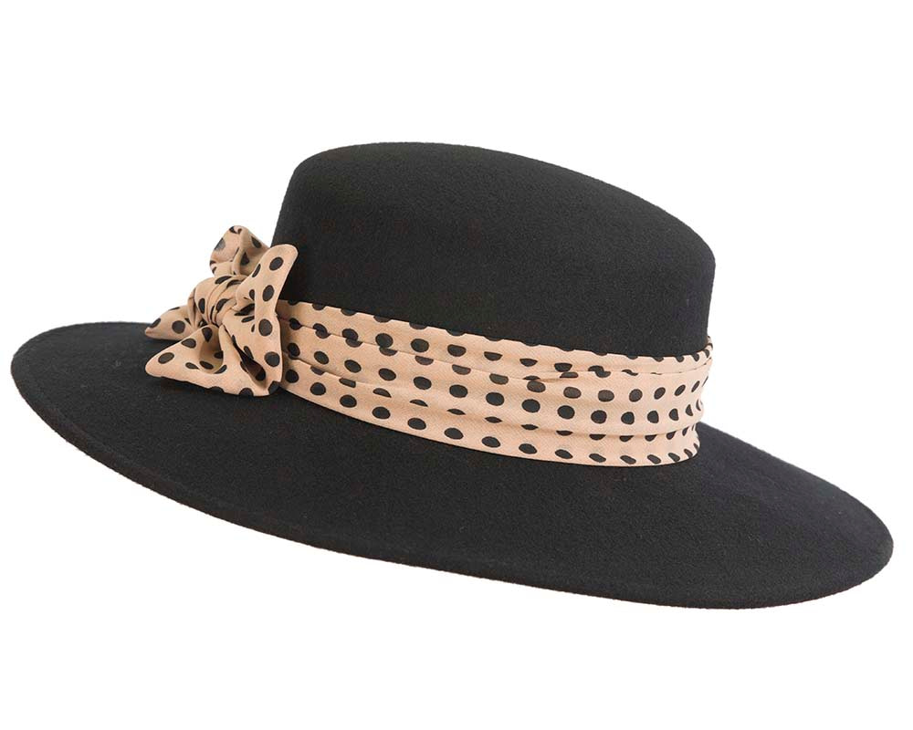 Wide brim ladies winter black felt hat with scarf