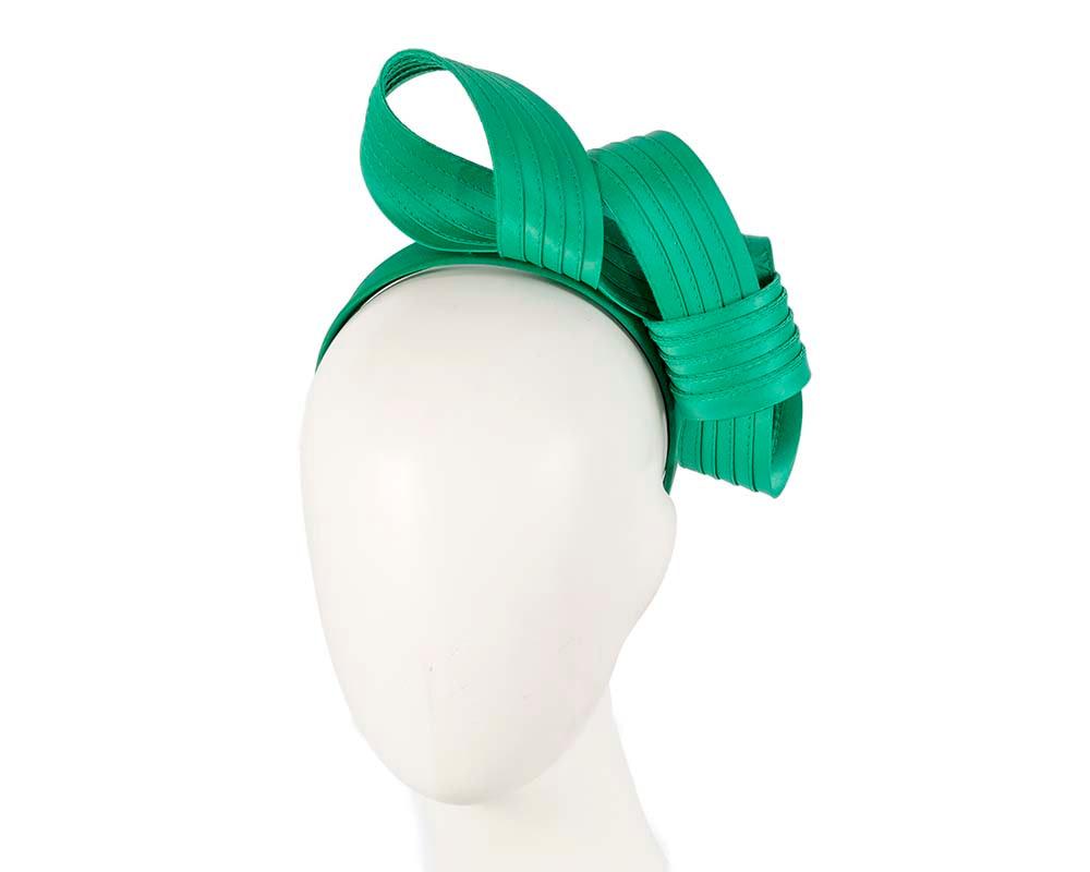Curled green fascinator