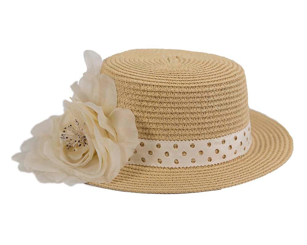 Straw hat with silk flower