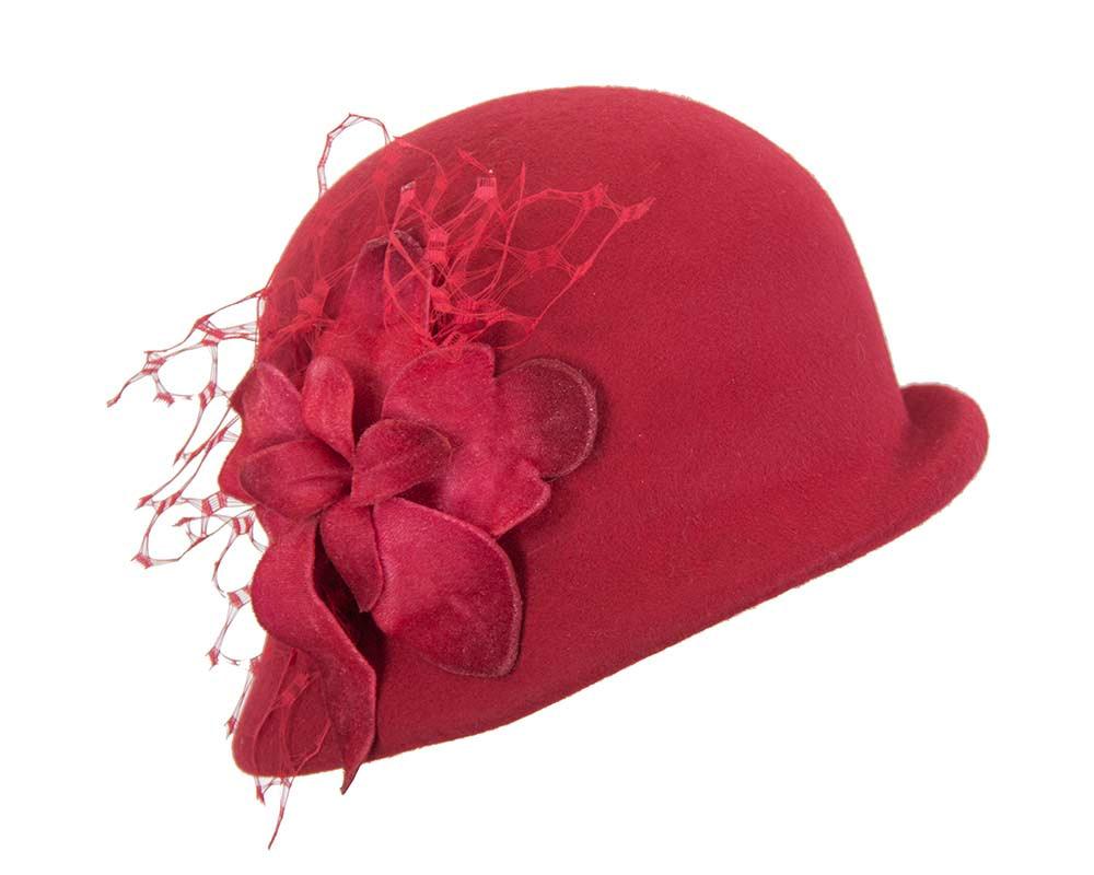 Red ladies felt bucket hat with flower