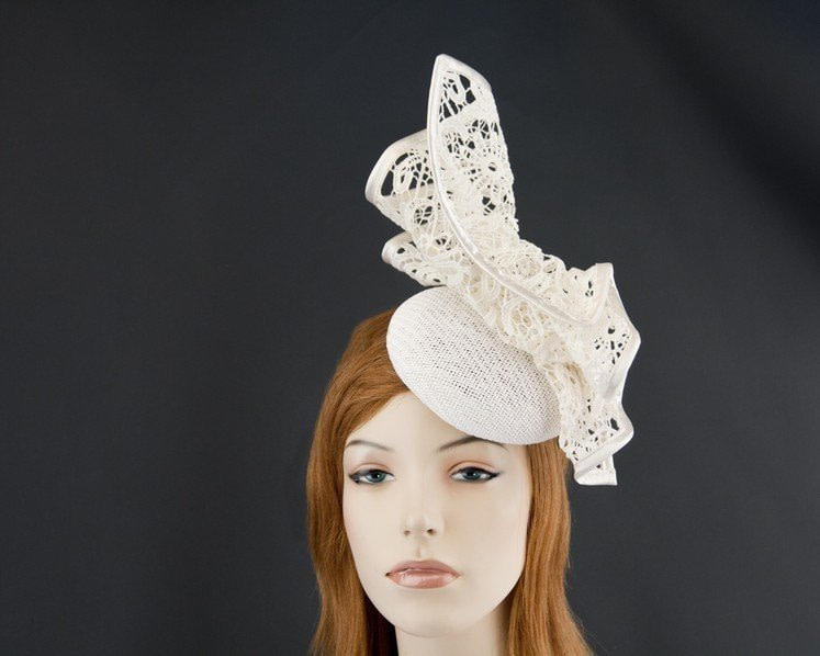 Ivory pillbox with lace for Melbourne Cup races by Fillies Collection S166I