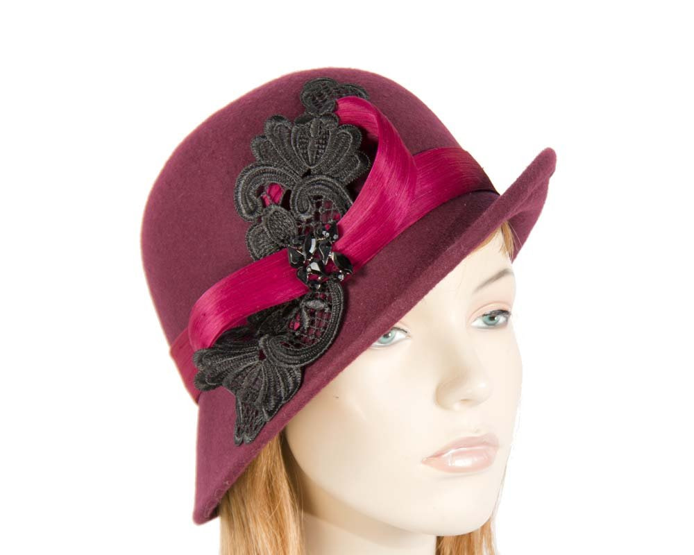Wine cloche hat with lace trim