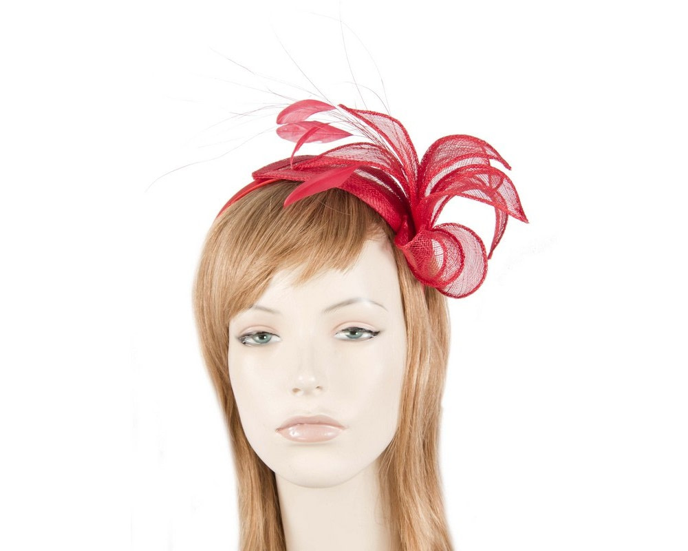 Dazzling red fascinator