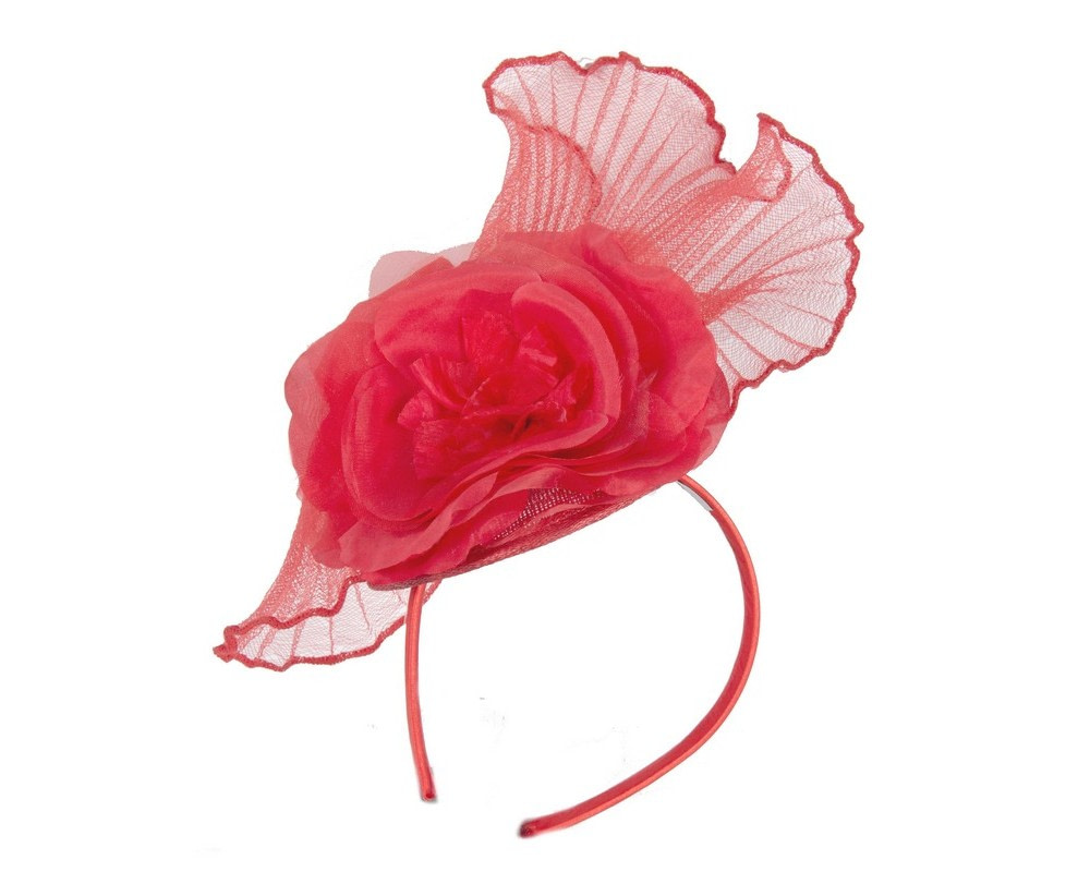 Red crinoline fascinator with flower