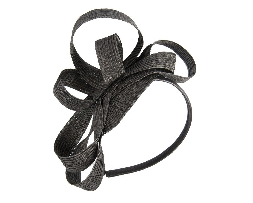 Black loops on the headband