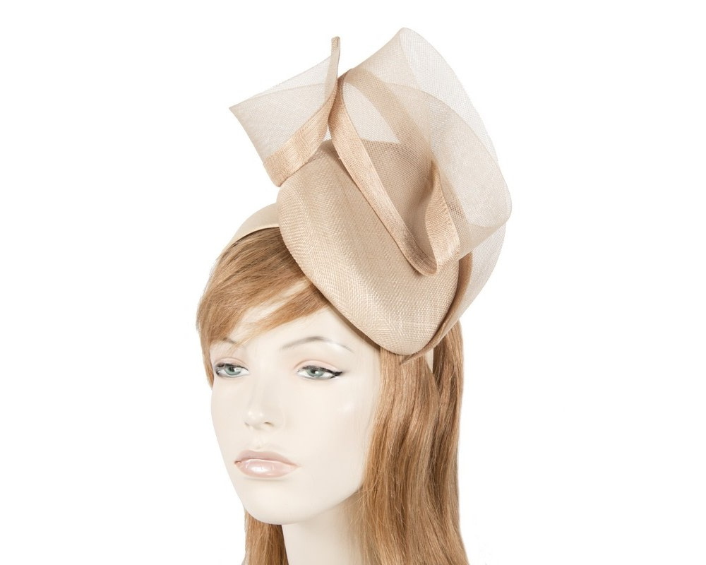 Tall nude pillbox fascinator