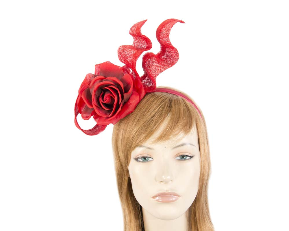 Red fascinator with flower