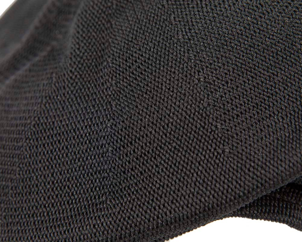 Black knitted beak flat cap
