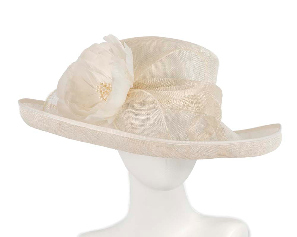 Large cream racing hat by Cupids Millinery Melbourne