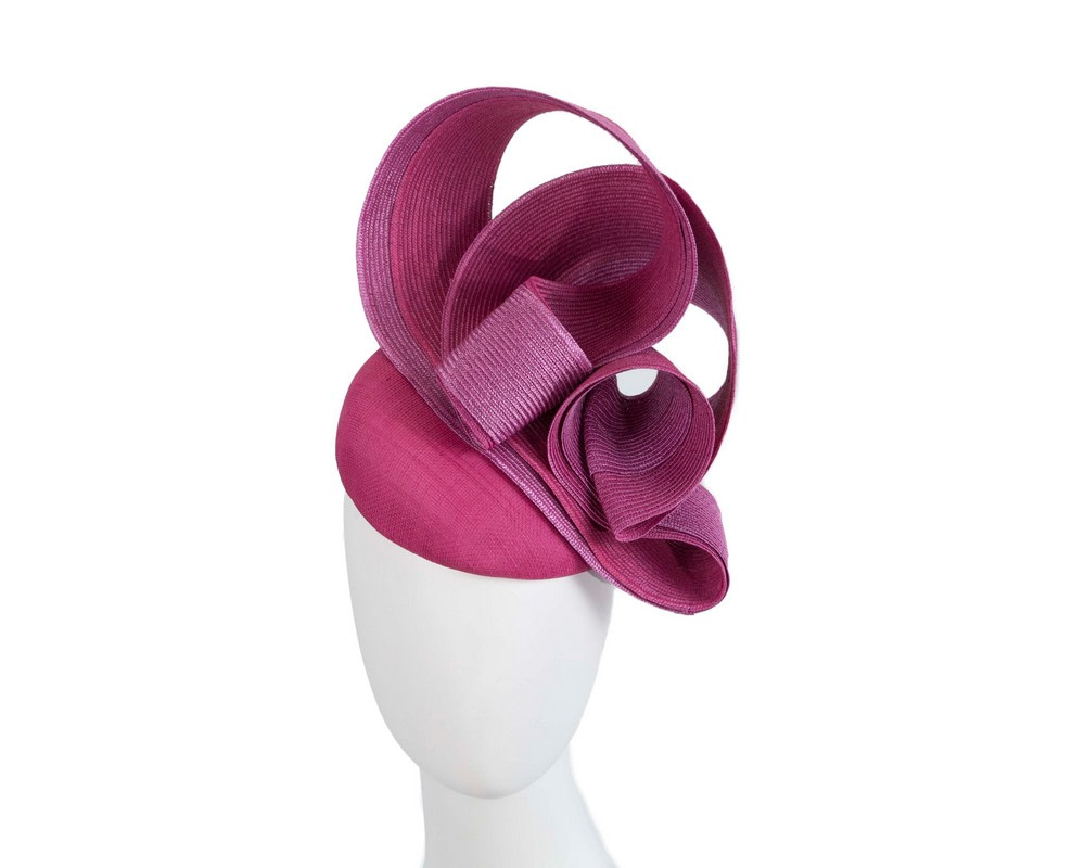 Stunning fuchsia racing fascinator by Fillies Collection