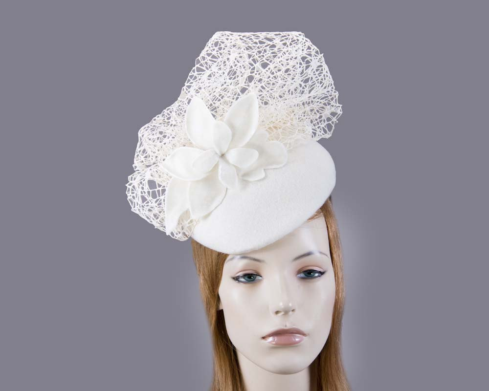 Cream winter beret fascinator