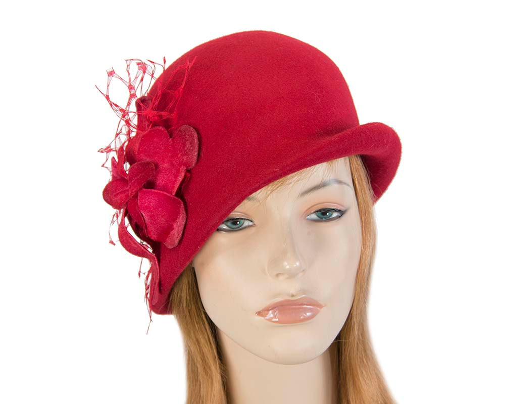 Red ladies felt bucket hat with flower