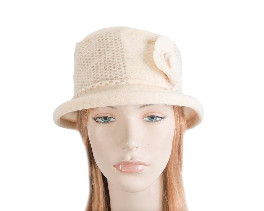 Soft cream & beige winter bucket hat by Max Alexander