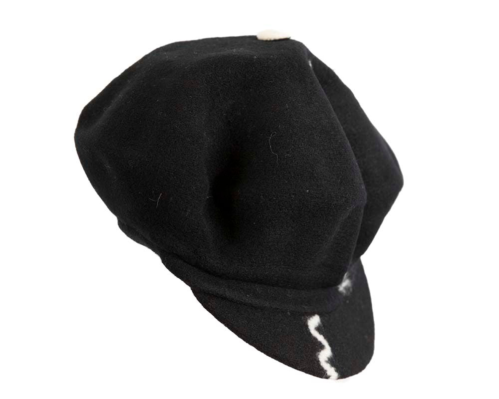 Black winter newsboy cap by Max Alexander