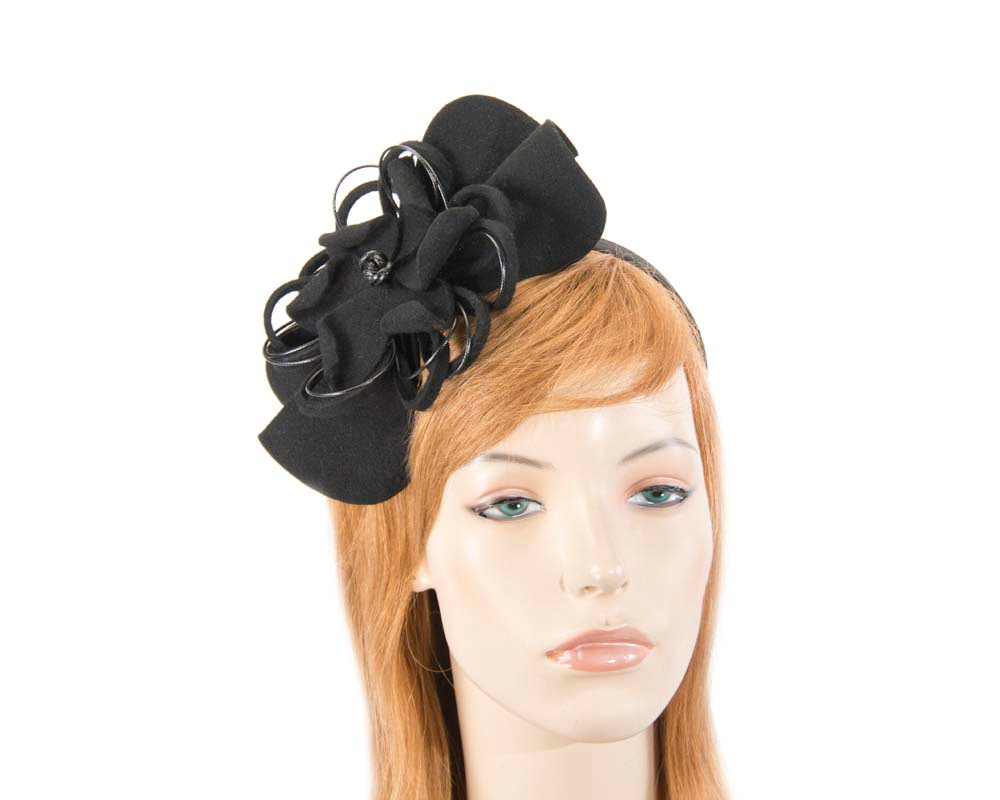 Black felt flower racing fascinator