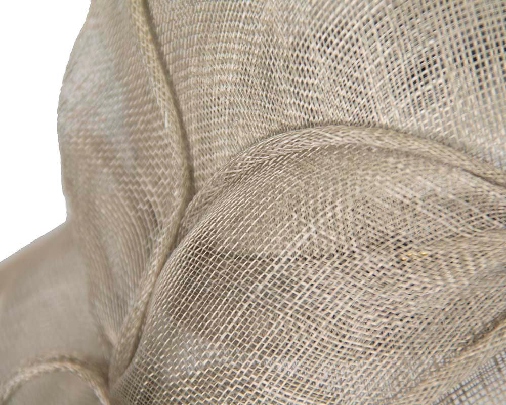 Silver wide brim racing fashion hat by Max Alexander