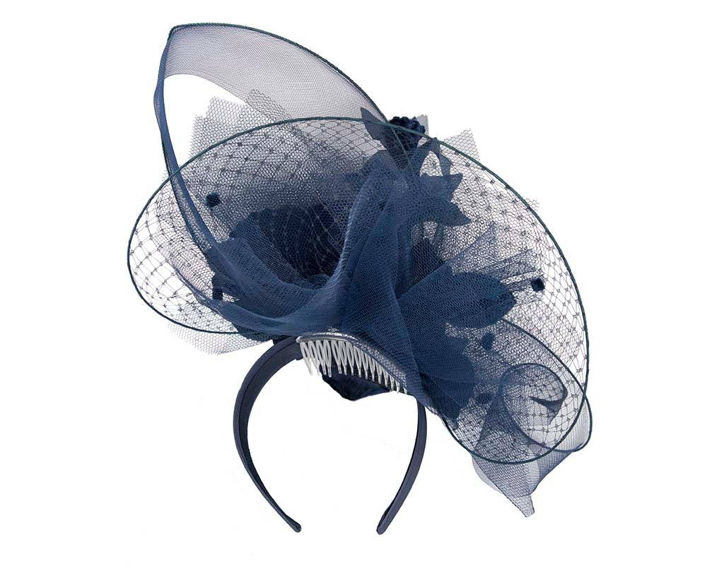 Bespoke navy fascinator by Fillies Collection