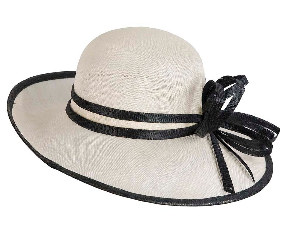 Cream & black fashion racing hat by Max Alexander