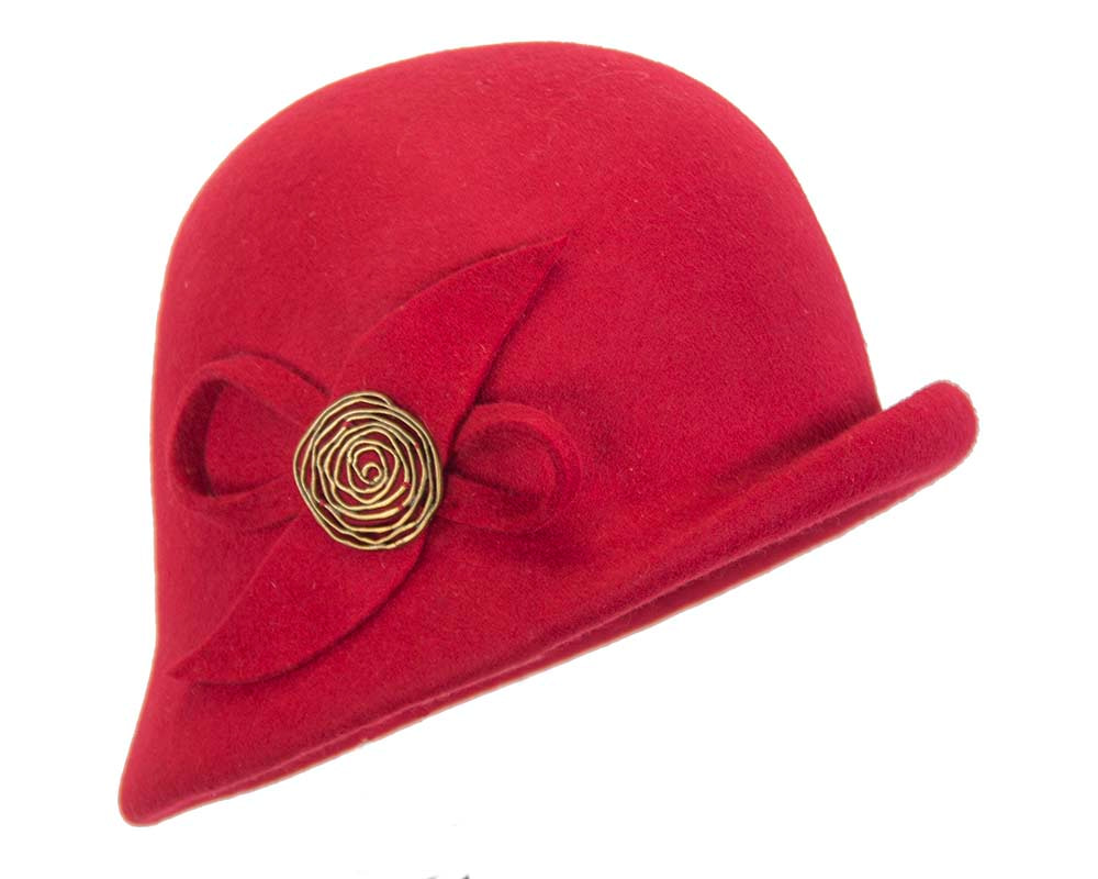 Red felt bucket hat with brass buckle J302R