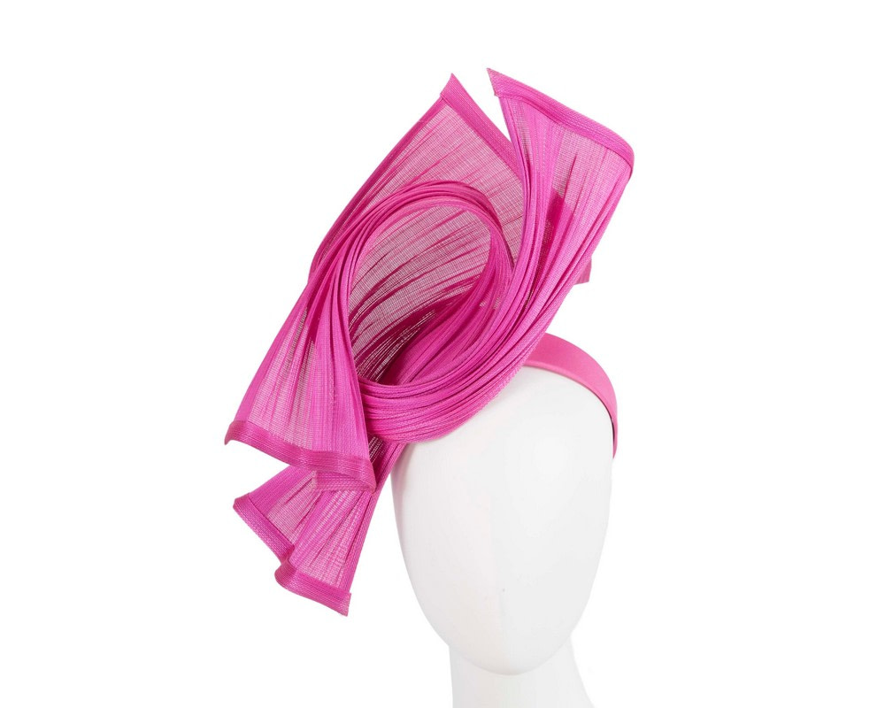 Bespoke fuchsia jinsin racing fascinator by Fillies Collection