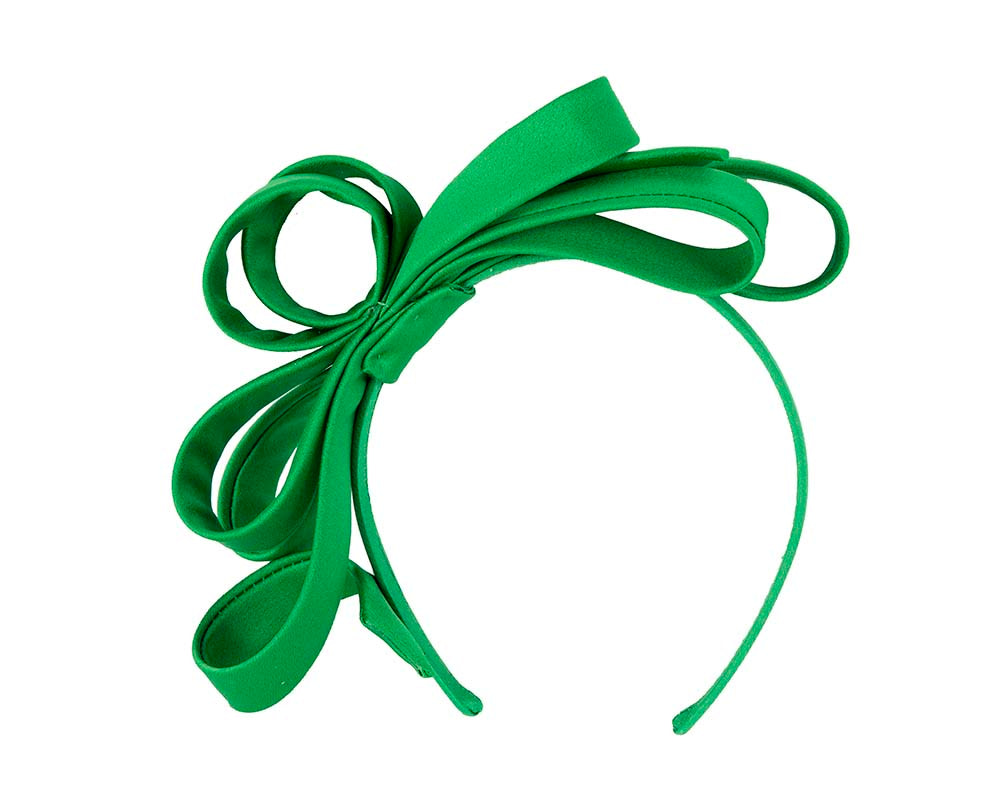 Green bow racing fascinator by Max Alexander