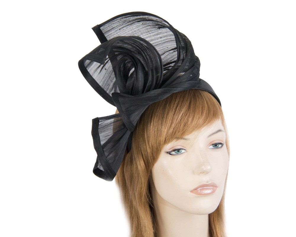 Bespoke black silk abaca racing fascinator by Fillies Collection