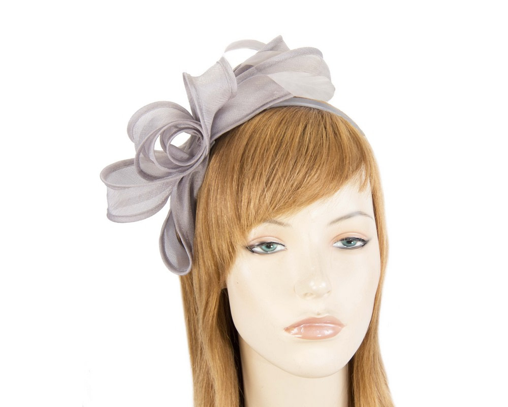 Silver organza bow fascinator by Max Alexander