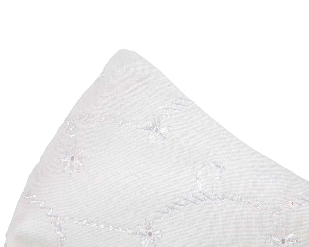 Comfortable re-usable white cotton face mask with embroydery