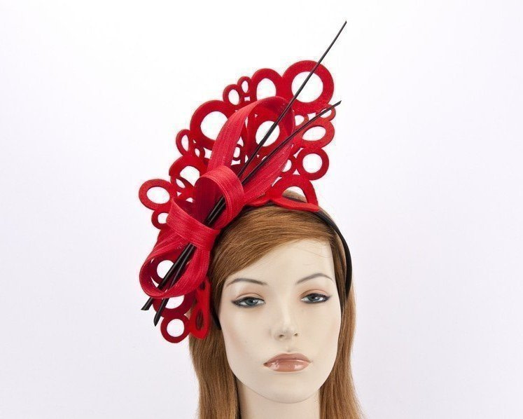 Sculptured red/black fascinator for winter racing F590RB
