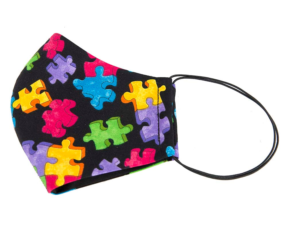 Comfortable re-usable cotton face mask with 3D puzzle pieces