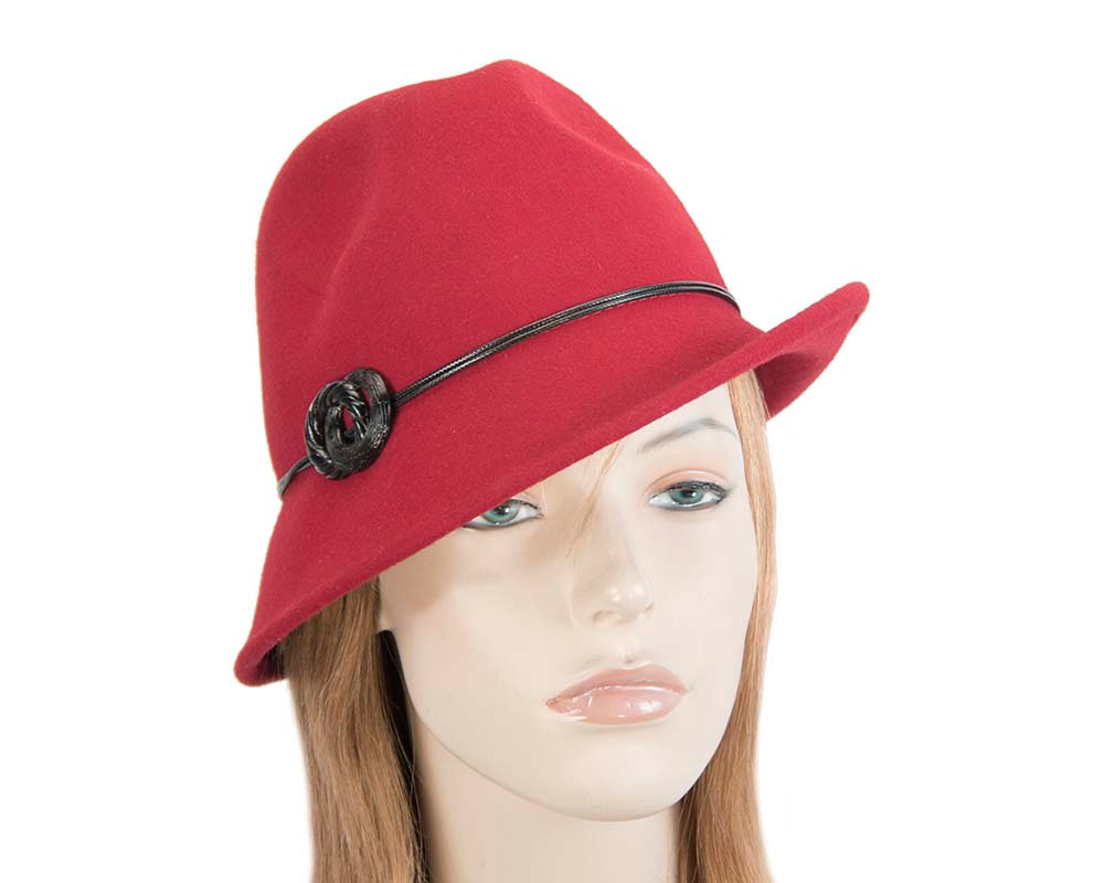 Red ladies fashion felt trilby hat by Max Alexander